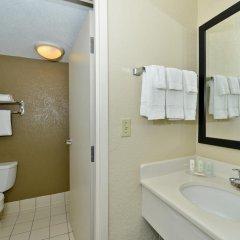 Отель Comfort Inn & Suites near Universal Orlando Resort 2* Стандартный номер с различными типами кроватей фото 6