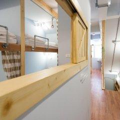 Barn And Bed Hostel Кровать в общем номере фото 3