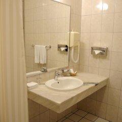 Гранд Отель Украина 5* Стандартный номер с двуспальной кроватью фото 5