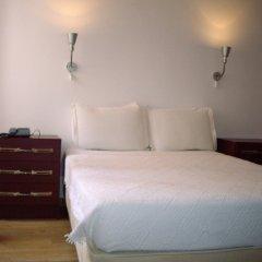Отель Pensao Residencial Camoes 2* Стандартный номер с двуспальной кроватью фото 12
