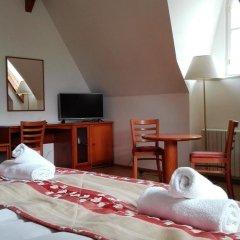 Hotel Jana / Pension Domov Mladeze Номер Комфорт с различными типами кроватей фото 5