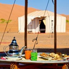 Отель Merzouga Luxury Camp Марокко, Мерзуга - отзывы, цены и фото номеров - забронировать отель Merzouga Luxury Camp онлайн питание