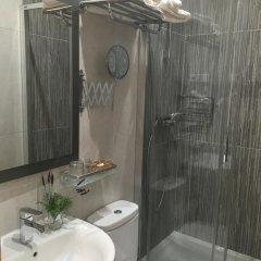 Отель Hostal Residencia Lido Стандартный номер с различными типами кроватей фото 20