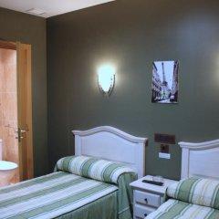 Отель Hostal Regio Номер категории Эконом с различными типами кроватей фото 10