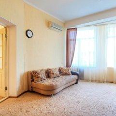Гостиница Континент 2* Стандартный семейный номер с разными типами кроватей фото 2