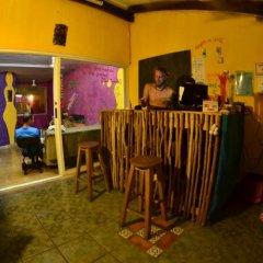 Отель Tres Mundos Hostel Мексика, Плая-дель-Кармен - отзывы, цены и фото номеров - забронировать отель Tres Mundos Hostel онлайн интерьер отеля