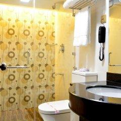 Отель Pearl City Hotel Шри-Ланка, Коломбо - отзывы, цены и фото номеров - забронировать отель Pearl City Hotel онлайн ванная фото 2