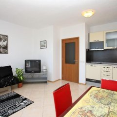 Апартаменты Sofia Apartments in Sunny Residence комната для гостей фото 4