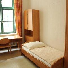 Отель Porzellaneum Стандартный номер с 2 отдельными кроватями (общая ванная комната) фото 3
