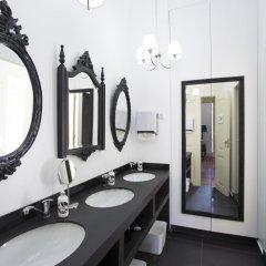Отель Typical Lisbon Guest House ванная фото 2