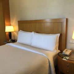 Four Seasons Hotel Mumbai 5* Номер Премьер с двуспальной кроватью