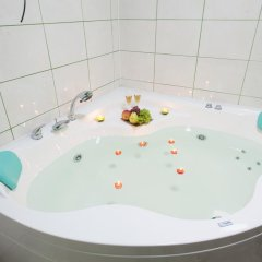 Мини-отель Бархат Улучшенный люкс с различными типами кроватей фото 13