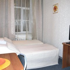 Гостиница Атмосфера на Большом Санкт-Петербург комната для гостей