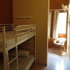 Отель Hostal Paraiso Кровать в общем номере