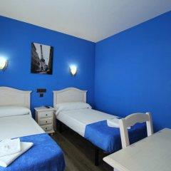 Отель Hostal Regio Номер категории Эконом с различными типами кроватей фото 16