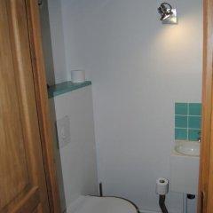 Отель L'Atelier des Canuts Франция, Лион - отзывы, цены и фото номеров - забронировать отель L'Atelier des Canuts онлайн ванная