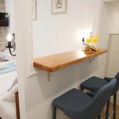 Отель Split Old Town Suites Номер Делюкс с различными типами кроватей фото 5