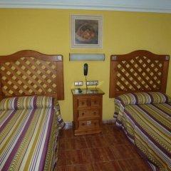 Отель Hostal la Campana комната для гостей фото 4