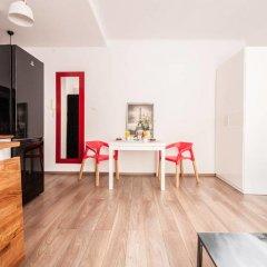 Апартаменты Cozy Apartment Old Town Варшава комната для гостей фото 2