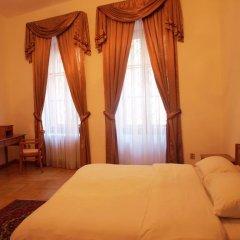Отель U Cerneho Medveda- At The Black Bear Апартаменты с различными типами кроватей фото 2