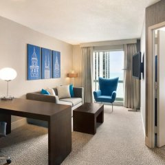 Отель Hilton Suites Chicago/Magnificent Mile комната для гостей фото 4