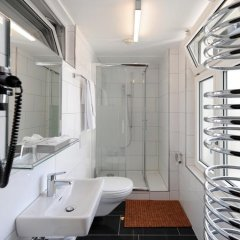 Hotel National Bern 2* Стандартный номер с различными типами кроватей (общая ванная комната) фото 6