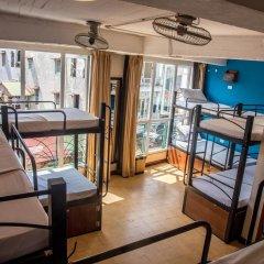 Отель Vietnam Backpacker Hostels Downtown Кровать в общем номере фото 4
