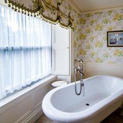 Отель Crossbasket Castle Великобритания, Глазго - отзывы, цены и фото номеров - забронировать отель Crossbasket Castle онлайн ванная фото 3