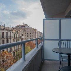 Отель Aparthotel Atenea Calabria Испания, Барселона - 12 отзывов об отеле, цены и фото номеров - забронировать отель Aparthotel Atenea Calabria онлайн балкон