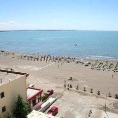 Hotel President пляж