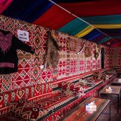 Отель Seven Wonders Bedouin Camp Иордания, Вади-Муса - отзывы, цены и фото номеров - забронировать отель Seven Wonders Bedouin Camp онлайн развлечения