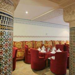 Отель Tghat Марокко, Фес - отзывы, цены и фото номеров - забронировать отель Tghat онлайн помещение для мероприятий фото 2