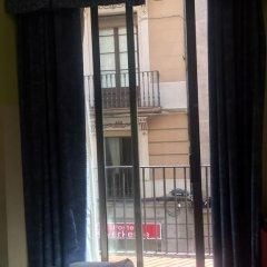 Отель Hostal Mont Thabor балкон