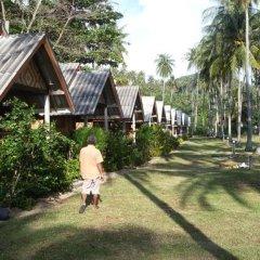 Отель Green Chilli Bungalows Таиланд, Ланта - отзывы, цены и фото номеров - забронировать отель Green Chilli Bungalows онлайн спортивное сооружение