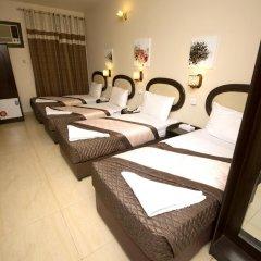 Grand Sina Hotel Стандартный семейный номер с различными типами кроватей фото 11