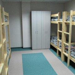 Хостел 4&4 Кровать в общем номере фото 13