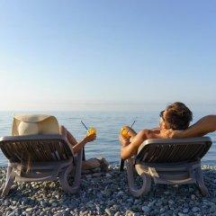 Райдерс Лодж (Riders Lodge Hotel) пляж