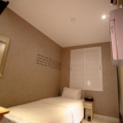 Отель Atti Guesthouse 2* Стандартный номер с 2 отдельными кроватями фото 8