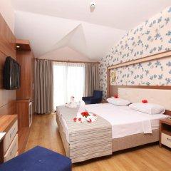 Отель Liberty Hotels Oludeniz 4* Улучшенный номер с двуспальной кроватью фото 5
