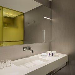 Отель Park Plaza London Waterloo Улучшенный номер с различными типами кроватей
