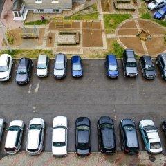 Гостиница April on Karla Marksa парковка