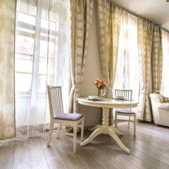 Апартаменты Ruterra Apartment Charles Bridge комната для гостей фото 2