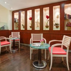 Отель Hôtel Terminus Montparnasse гостиничный бар