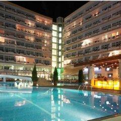 Отель Menada Oasis Resort Apartments Болгария, Солнечный берег - отзывы, цены и фото номеров - забронировать отель Menada Oasis Resort Apartments онлайн бассейн