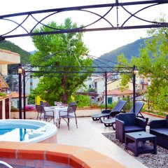 Hotel Overland Боргомаро бассейн