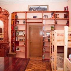 Art Hostel Galereya Кровать в женском общем номере