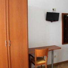 Отель Hostal Jerez Стандартный номер с различными типами кроватей фото 4