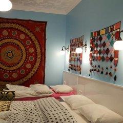 Отель Tulip Guesthouse 2* Стандартный семейный номер с двуспальной кроватью фото 7
