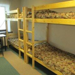 Хостел 4&4 Кровать в общем номере фото 12
