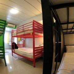 Отель S1hostel Bangkok Кровать в мужском общем номере фото 4